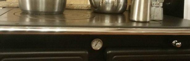 Le ricette del putagè: cucinare slow con ingredienti auto-prodotti cotti a legna